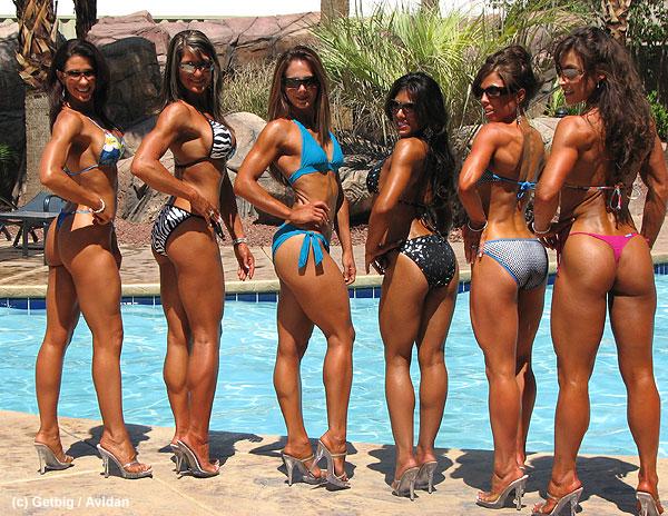 kulturistki-v-bikini
